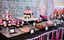 zebra-desserts-table